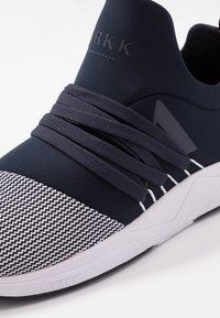ARKK Copenhagen - RAVEN  - Sneakers - midnight/white - 5