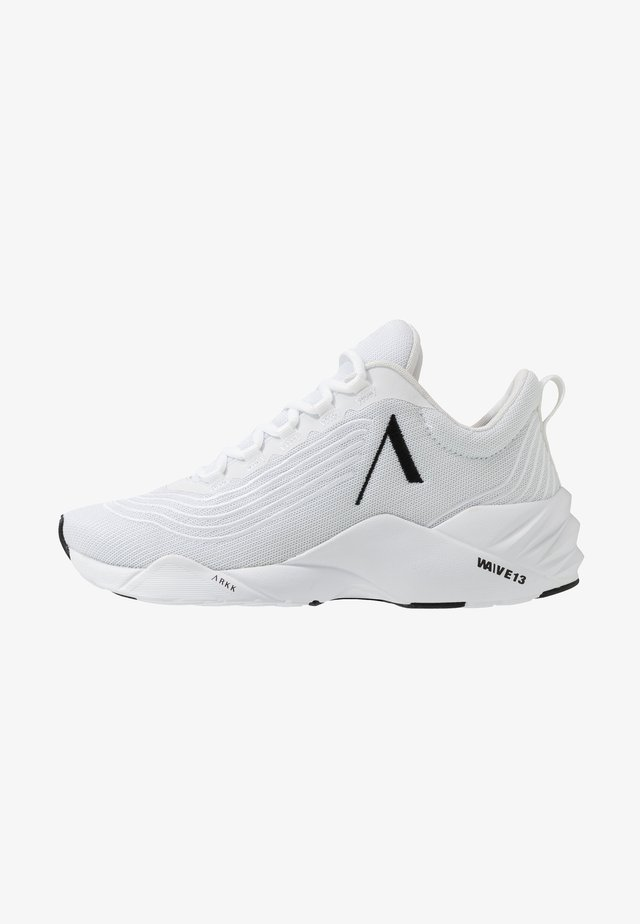 AVORY - Sneakersy niskie - white/black