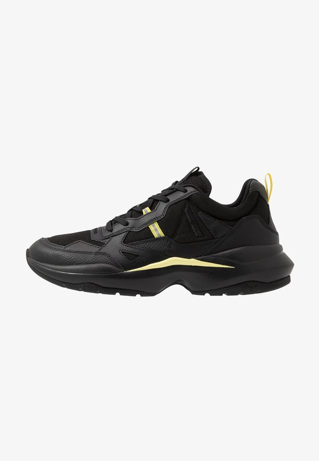 QUANTM T-G9 - Sneaker low - black/limelight