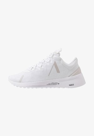 AXIONN PWR55 - Joggesko - white/wind grey