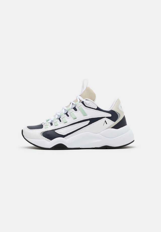 APAZE F-PRO 90 - Sneakers laag - white/silver/birch