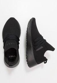 ARKK Copenhagen - RAVEN FG 2.0 PWR5 - Tenisky - black/white - 1