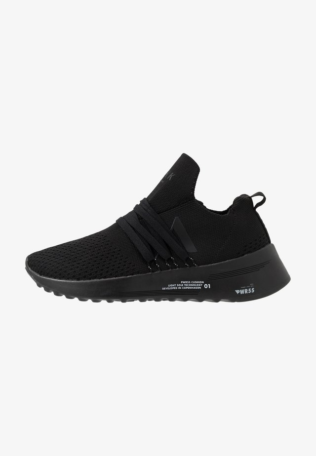 RAVEN FG 2.0 PWR5 - Sneaker low - black/white