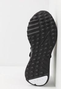 ARKK Copenhagen - RAVEN FG 2.0 PWR5 - Sneakers - black/white - 4