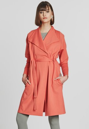 CAREFREE  - Trenchcoat - coral