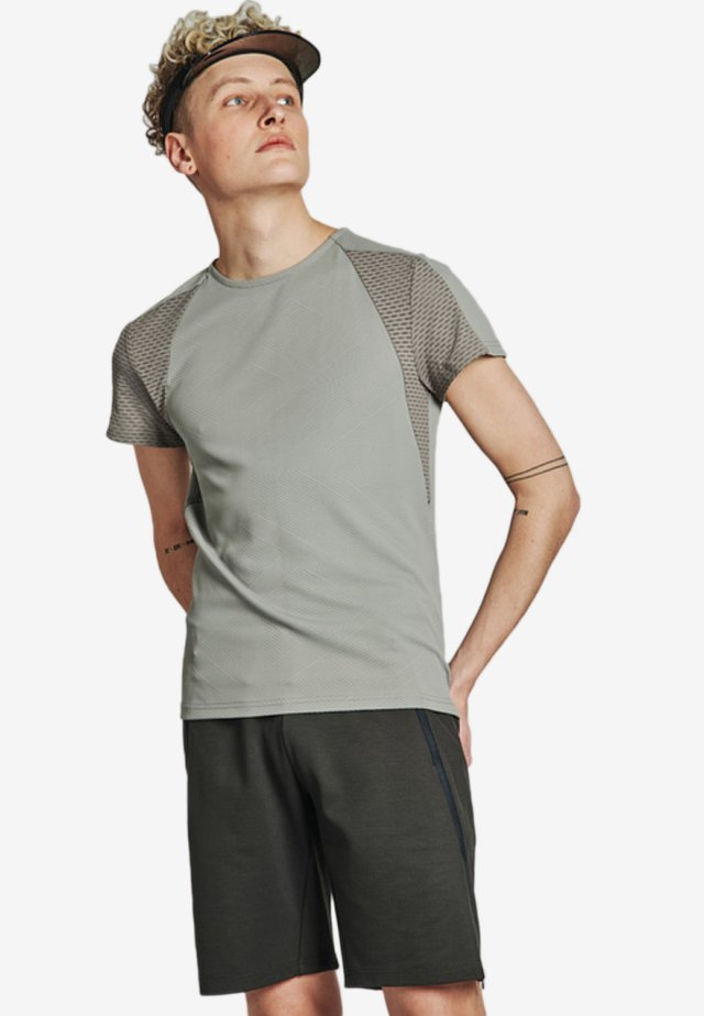 TEMPERED TEE - Funktionsshirt - grey