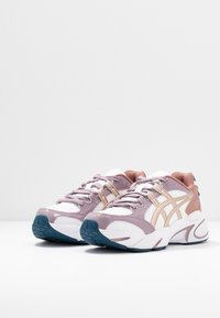 ASICS SportStyle - GEL-BND - Sneakers basse - white/frosted almond - 4