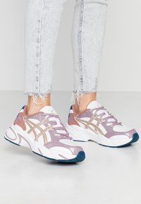 ASICS SportStyle - GEL-BND - Sneakers basse - white/frosted almond - 0