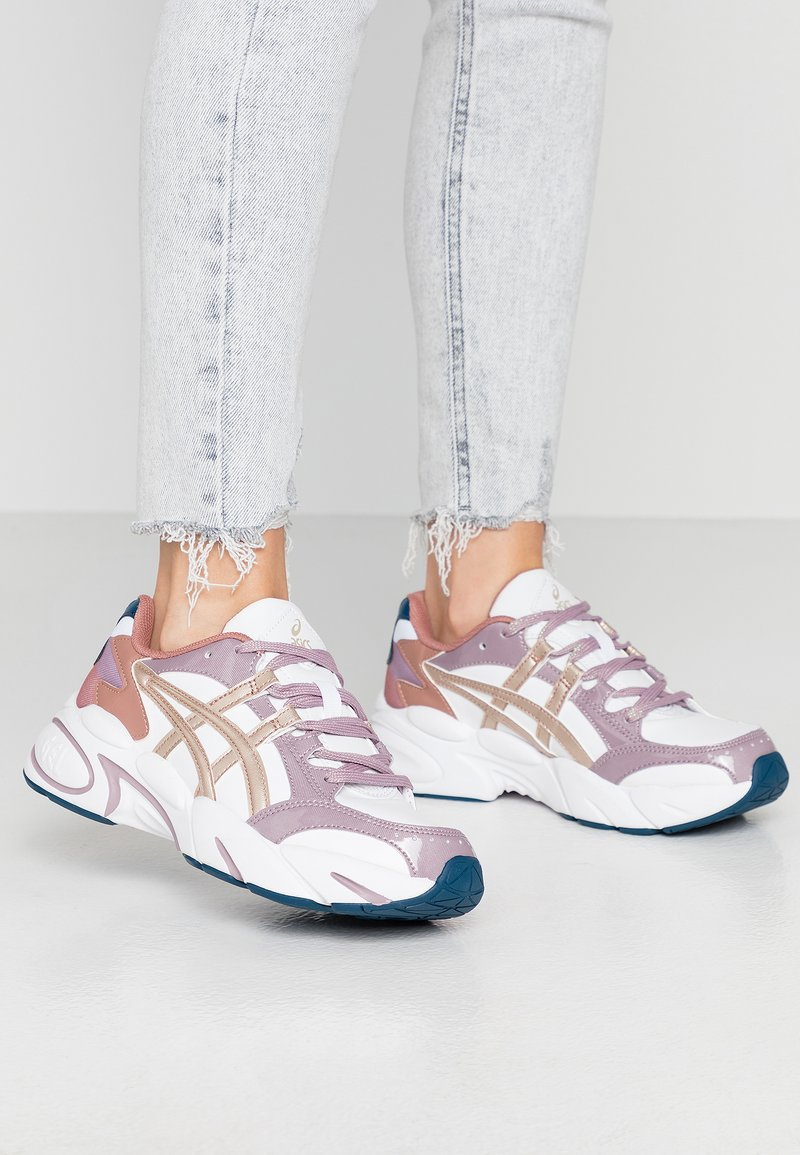 ASICS SportStyle - GEL-BND - Trainers - white/frosted almond