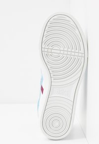 ASICS SportStyle - CLASSIC - Trainers - white/arctic sky - 6