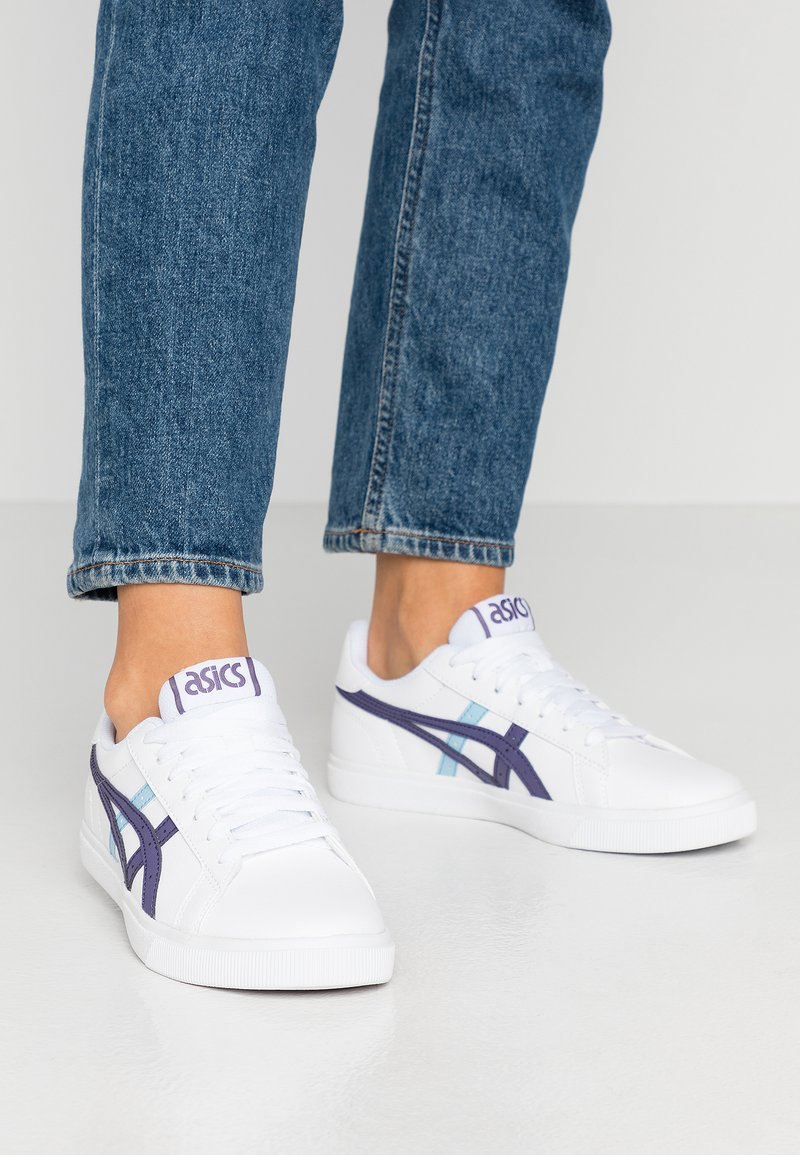 ASICS SportStyle - CLASSIC - Trainers - white/dusty purple