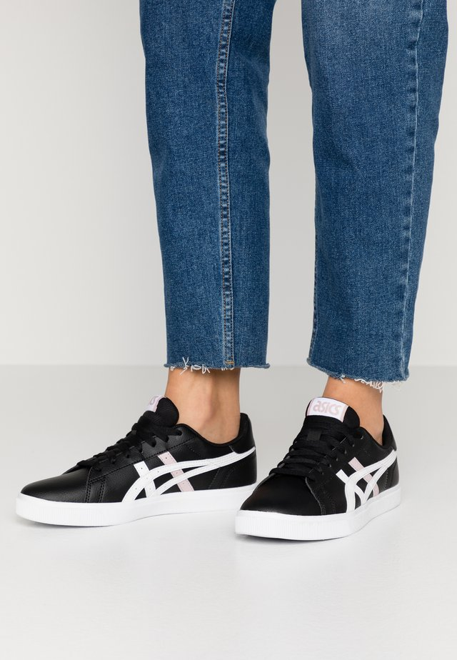 CLASSIC - Sneaker low - black/white