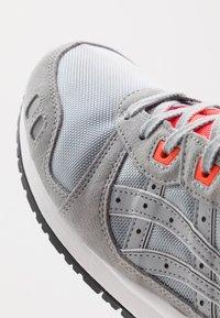 ASICS SportStyle - GEL-LYTE III OG - Sneakersy niskie - piedmont grey - 5