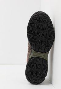 ASICS SportStyle - GEL VENTURE 7 - Sneakersy niskie - lichen green/black - 4