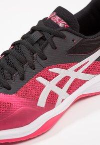 ASICS - NETBURNER BALLISTIC FF - Volleyballschuh - pixel pink/silver - 5
