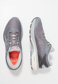 ASICS - GEL KAYANO 25 - Zapatillas de running estables - carbon/mid grey - 1