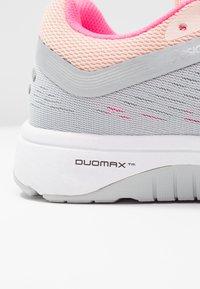 ASICS - Zapatillas de running estables - mid grey/silver - 5