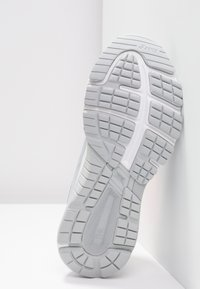 ASICS - Zapatillas de running estables - mid grey/silver - 4