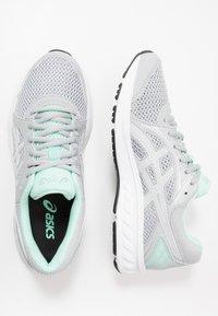ASICS - JOLT 2 - Obuwie do biegania treningowe - piedmont grey/white - 1