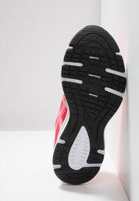 ASICS - JOLT 2 - Zapatillas de running neutras - laser pink/white - 4