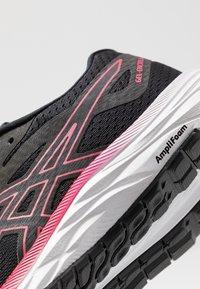 ASICS - GEL-EXCITE 6 - Zapatillas de running neutras - black/rose petal - 5
