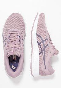 ASICS - PATRIOT 11 - Zapatillas de running neutras - violet blush/purple matte - 1