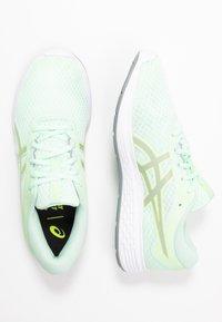 ASICS - PATRIOT 11 - Chaussures de running neutres - mint tint/sheet rock - 1