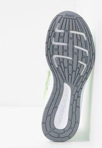 ASICS - PATRIOT 11 - Obuwie do biegania treningowe - mint tint/sheet rock - 4