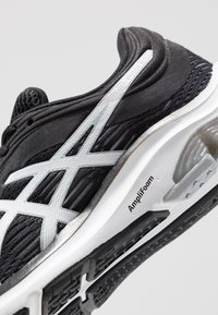 ASICS - GEL-PULSE 11 - Neutral running shoes - black/piedmont grey - 5