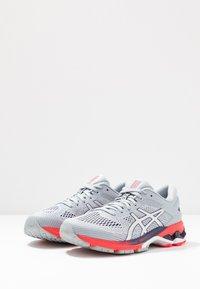 ASICS - GEL-KAYANO 26 - Zapatillas de running estables - piedmont grey/silver - 2