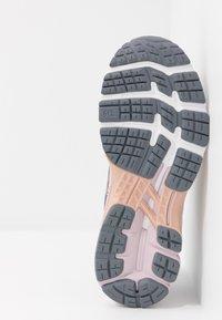 ASICS - GEL-KAYANO 26 - Zapatillas de running estables - metropolis/rose gold - 4