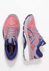 ASICS - GEL-KAYANO 26 - Zapatillas de running estables - violet blush/dive blue - 1