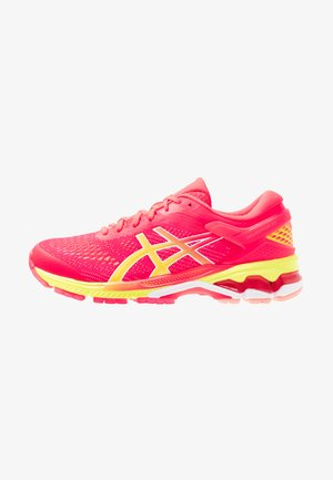 GEL-KAYANO 26 - Zapatillas de running neutras - laser pink/sour yuzu