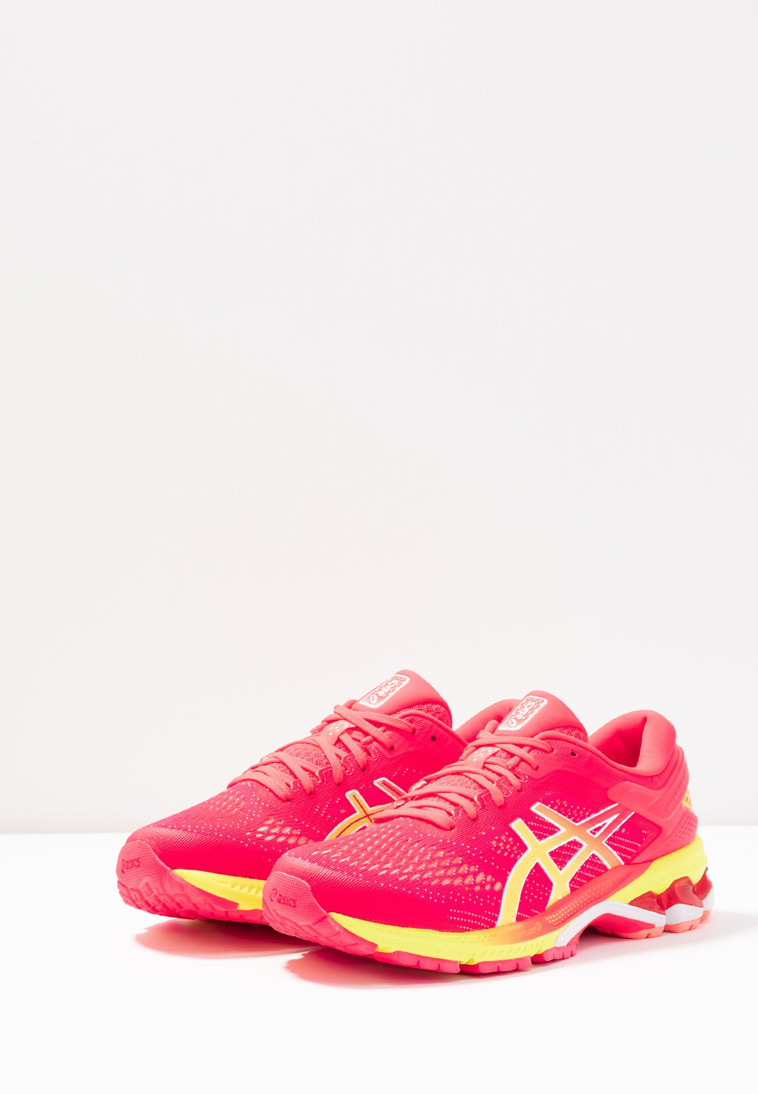 GEL-KAYANO 26 - Laufschuh Neutral - laser pink/sour yuzu
