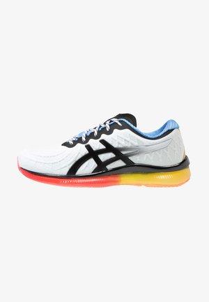 GEL-QUANTUM INFINITY - Neutrální běžecké boty - white/blue