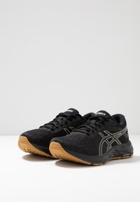 ASICS - GEL-EXCITE 6 WINTERIZED - Zapatillas de running neutras - black/putty - 2