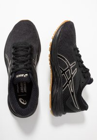 ASICS - GEL-EXCITE 6 WINTERIZED - Zapatillas de running neutras - black/putty - 1