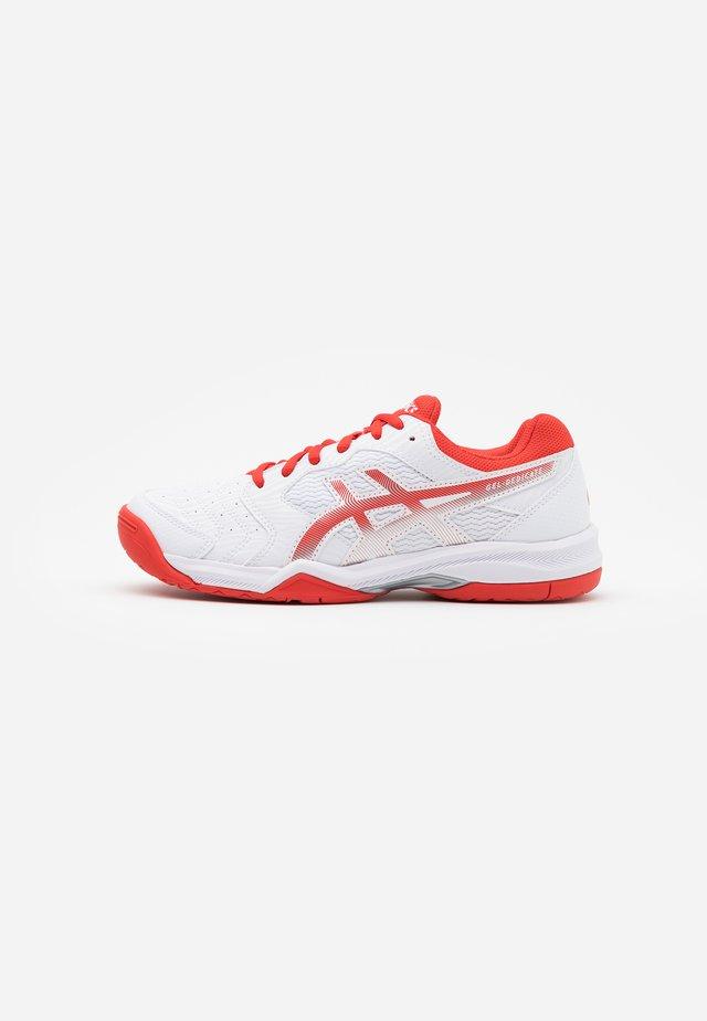 GEL-DEDICATE 6 - Tennisschoenen voor alle ondergronden - white/fiery red