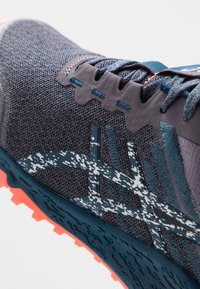 ASICS - ALPINE XT 2 - Běžecké boty do terénu - lavender grey/silver - 5