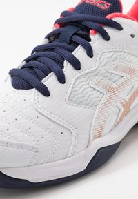 ASICS - GEL-DEDICATE 6 CLAY - Clay court tennis shoes - white - 5
