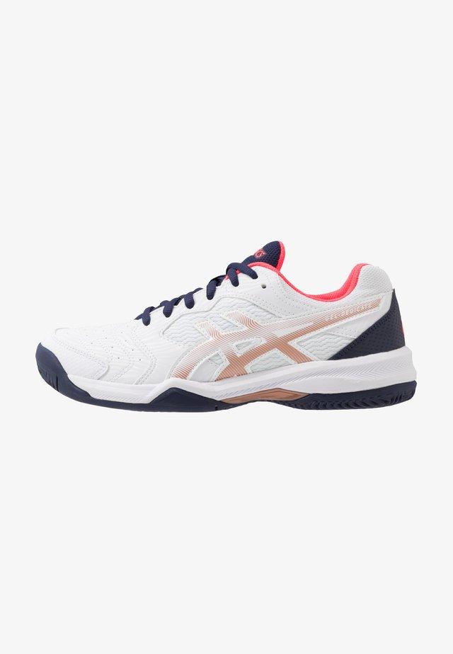 GEL-DEDICATE 6 CLAY - Chaussures de tennis pour terre-battueerre battue - white