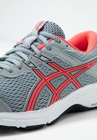 ASICS - GEL-CONTEND 6 - Neutral running shoes - sheet rock/diva pink - 5