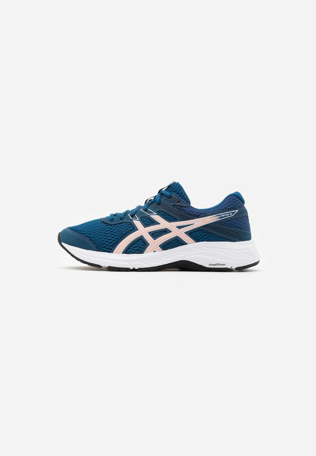 GEL-CONTEND - Neutral running shoes - mako blue/ginger peach