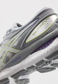 ASICS - GEL-NIMBUS 22 - Scarpe running neutre - white/pure silver - 5