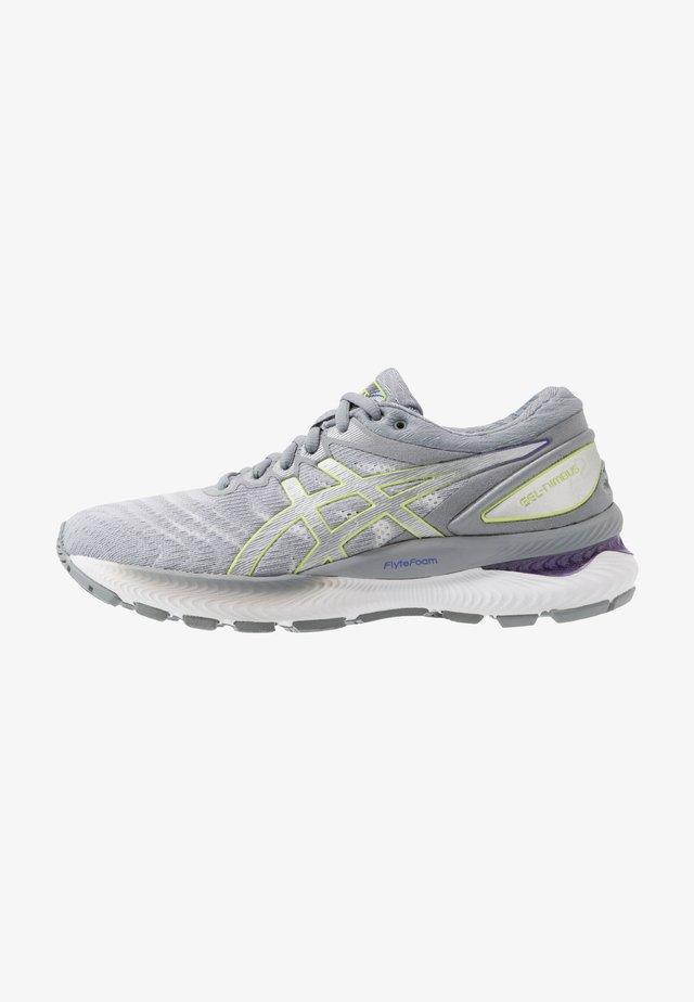 GEL-NIMBUS 22 - Zapatillas de running neutras - white/pure silver