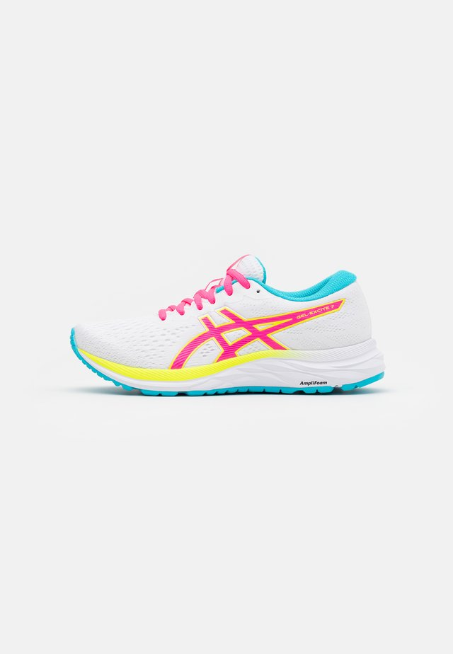 GEL-EXCITE 7 - Scarpe running neutre - white/safety yellow