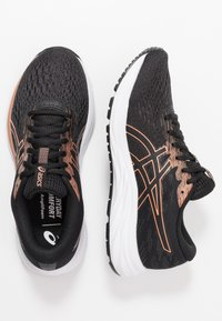 ASICS - GEL-EXCITE 7 - Obuwie do biegania treningowe - black/rose gold - 1