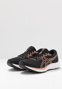 ASICS - GEL-EXCITE 7 - Obuwie do biegania treningowe - black/rose gold - 2