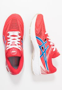 ASICS - GT-2000 8 - RETRO TOKYO - Chaussures de running stables - classic red/electric blue - 1