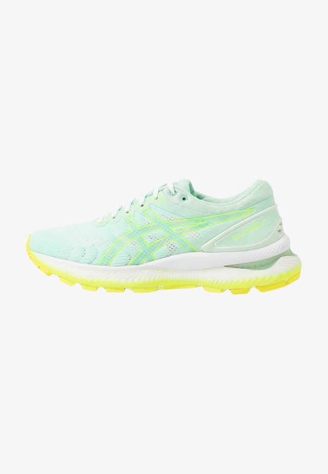 GEL-NIMBUS 22 MODERN TOKYO - Neutral running shoes - mint tint/safety yellow